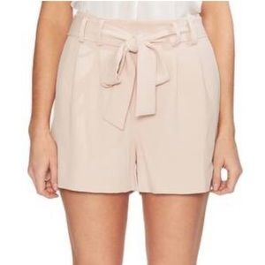 Vince Camuto Oasis bloom short NWT